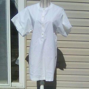 Theory White EUC Tunic Sz 6 Short Sleeve